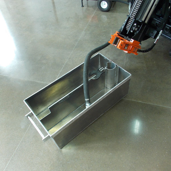 Our recirculation mud tubs come with dual handles for ease of transport