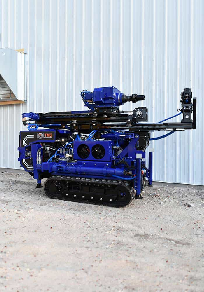 The CGR-138 is a compact drilling rig for rotary drilling and micropile installation