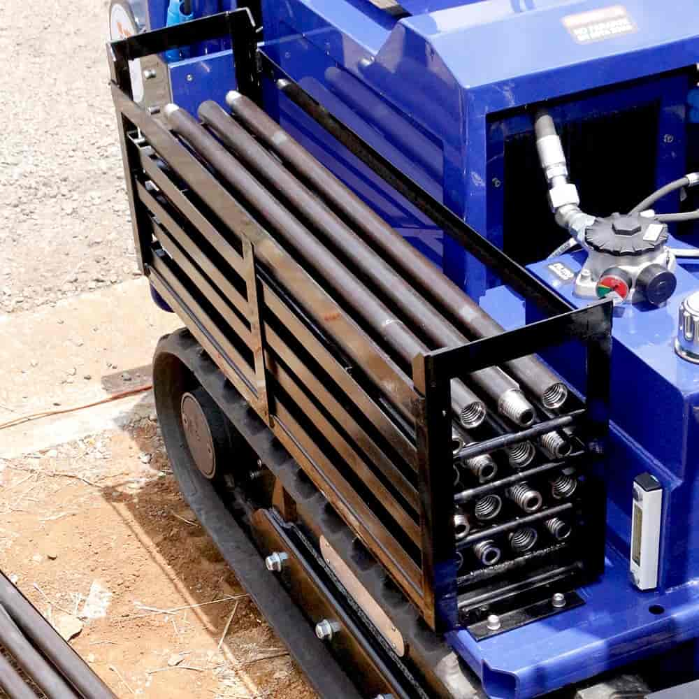 Our cone penetration soil investigation drilling rig comes with drilling pipe rack