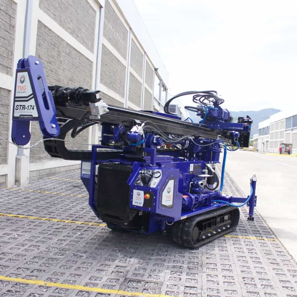 The STR-174 is a track mounted drilling rig for SPT, wireline coring and rotary drilling.