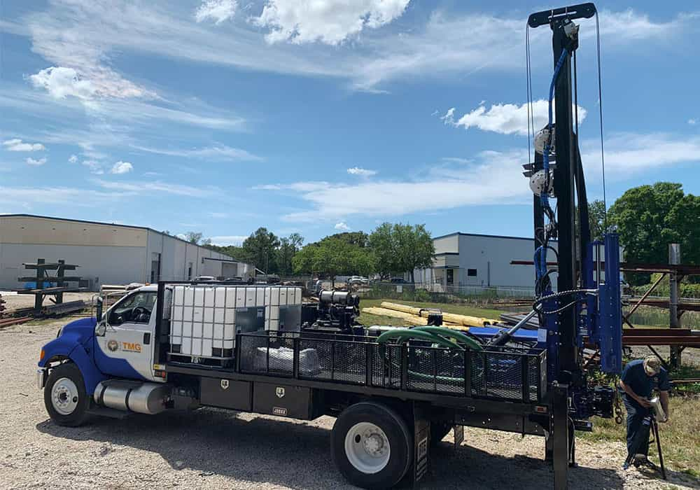 Our STR-174TK drill rig mounted on truck, can be mounted on flatbed trucks