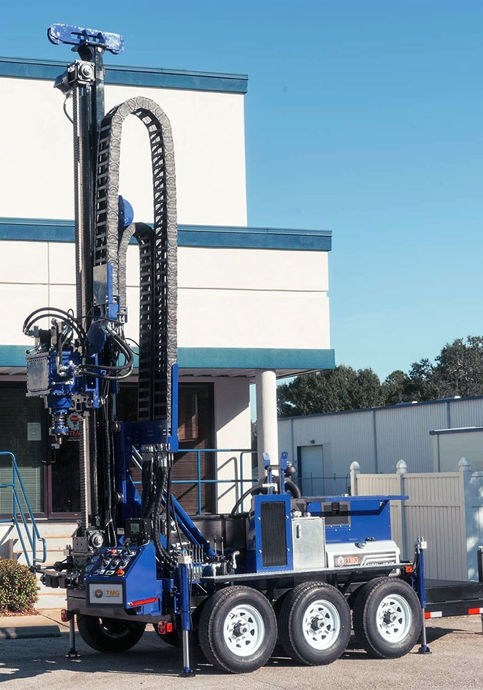 The mast of our water well drill rig has a 10.5 feet stroke to fit drill rod of 10 feet long